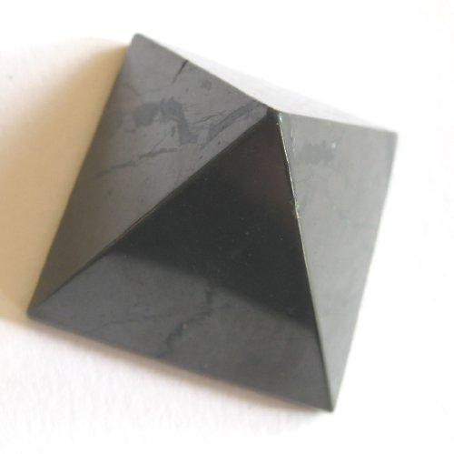 Preisvergleich Produktbild Pyramide Schungit 5 cm