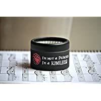 """Piccolo carillon di cartone decorato in nero con la melodia di Game of Thrones e la frase """"Io non sono una principessa, sono Khaleesi""""."""