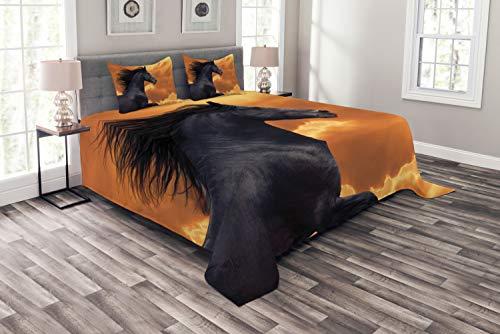 ABAKUHAUS Pferde Tagesdecke Set, Galoppierende Friese, Set mit Kissenbezügen Sommerdecke, für Doppelbetten 220 x 220 cm, Orange Schwarz