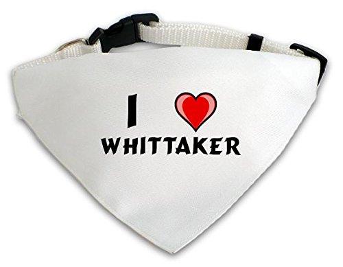 personalisierter-weisser-hundschal-mit-aufschrift-ich-liebe-whittaker-vorname-zuname-spitzname