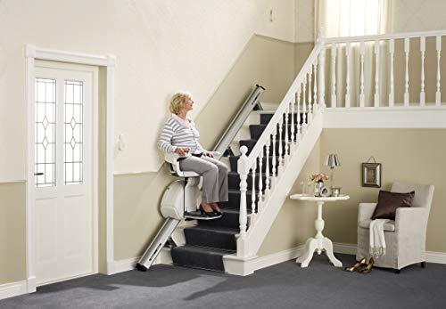 Ein gerader Treppenlift von SOBRAtec für Innenmontage, bis 5 Meter Schienenlänge