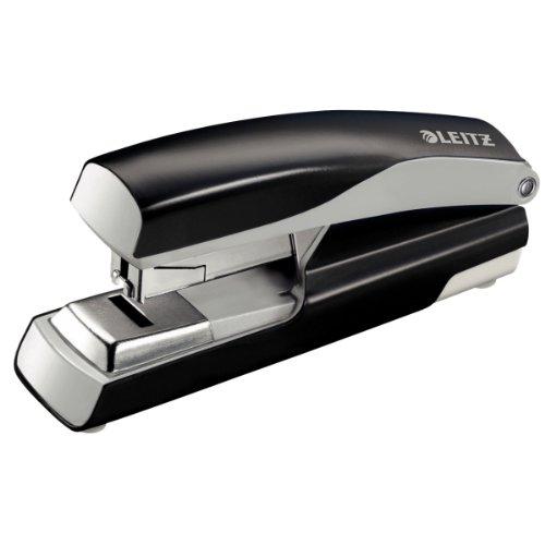 Leitz 55230095 Flach-Heftgerät (40 Blatt, Ergonomisches Metallgehäuse, Inkl. Heftklammern, Nexxt, Blisterverpackung) schwarz