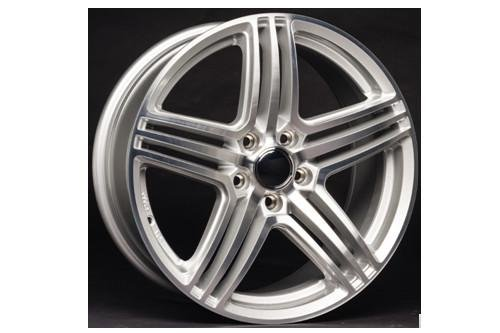 Preisvergleich Produktbild VW AZW Katusha 8x18 5 / 112 / 45 Silber hochglanzpoliert - WH1281811245S