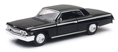 newray-1-25-scale-diecast-71843-1962-chevrolet-impala-ss-black