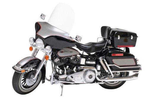 Tamiya 300016037 - 1:6 Harley-Davidson FLH Classic Bike