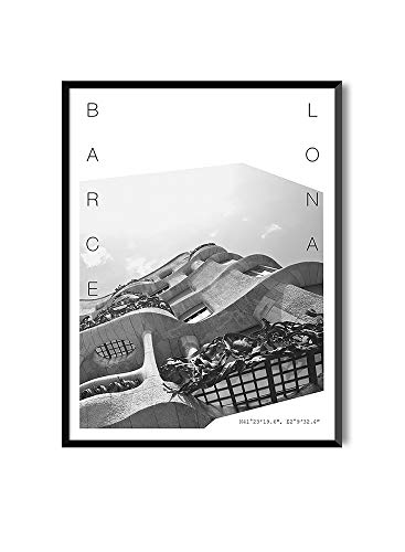 La maravillosa ciudad de Barcelona está repleta de edificios emblemáticos, como la famosa Casa Milá, que vemos representada en esta lámina. Tonos blancos y negros ideales para combinar con otras láminas de color o de esta misma colección. Un recuerdo...