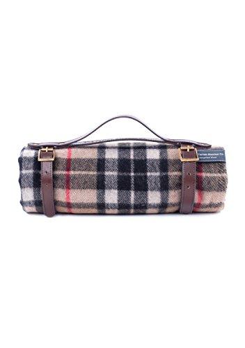 The Tartan Blanket Co. Recycelte Wolle Picknickdecke mit braunem Lederarmband (Thomson Camel) -