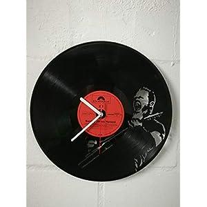 Wanduhr aus Vinyl Schallplattenuhr mit Metallica Motiv upcycling design Uhr Wand-deko vintage-Uhr Wand-Dekoration retro…