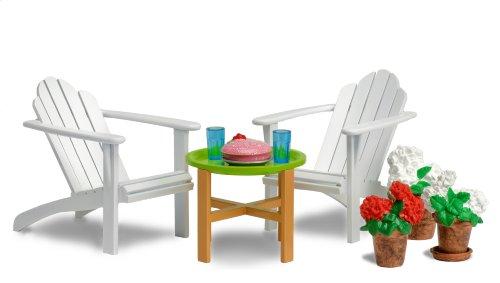 Lundby 60.3044.00 - Smaland: Gartenmöbel-Set mit zwei Sesseln, Tisch und Accessoires (Puppenhausmöbel)