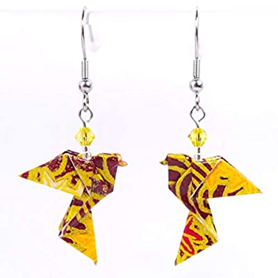 Boucles d'oreilles colombes origami verticales fleurs rouges et jaunes sur fond marron - crochets inox