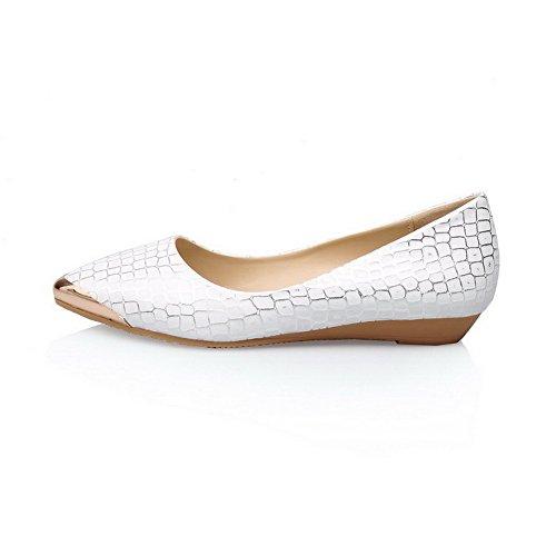 AllhqFashion Femme Pointu Fermeture D'Orteil Tire Pu Cuir Couleurs Mélangées à Talon Bas Chaussures Légeres Blanc