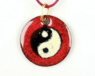 Pendentif Yin et yang rouge émail sur cuivre