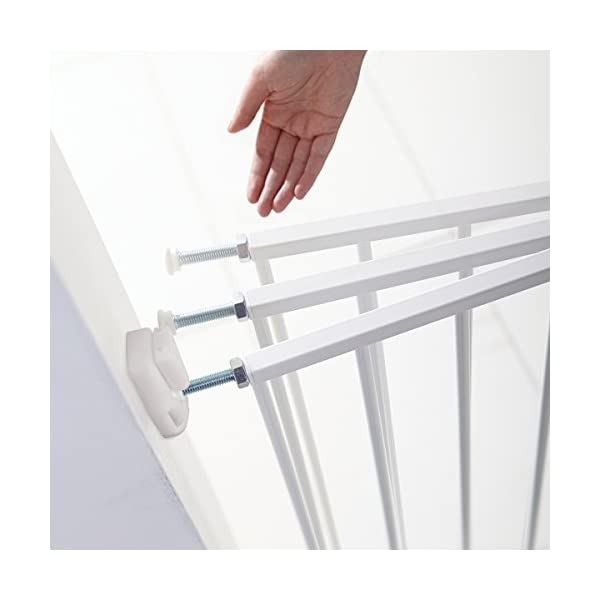 Munchkin Extending Metal Wall Fix Safety Gate, of Munchkin Top and bottom adjusters allow for quick and easy installation and width adjustments Extends to fit openings between 64.5cm and 102cm. no step over bar so is suitable for top and bottom of stairs. One way opening catch for use on top and bottom of stairs, two way opening catch for use in doorways 4