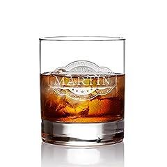 Idea Regalo - AMAVEL - Bicchiere da Whisky Tumbler con Incisione - Cartiglio - Personalizzato con [NOME] e [ANNO] - Vetro Chiaro - Regalo per Intenditori - Idea Regalo di Compleanno o Natale - Capacità: 320 ml