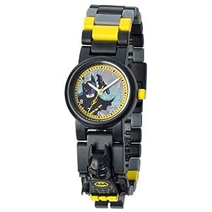 """""""Diventa l'eroe di cui Gotham ha bisogno con l'orologio da polso THE LEGO BATMAN con cinturino a maglie e minifigure di Batman!Questo orologio analogico è dotato di maglie colorate e intercambiabiliche permettono di creare combinazioni uniche e di adattare il cinturino alla larghezza del polso.È ora di proteggere gli innocenti e consegnare i criminali alla giustizia! È il tuo momento! Diventa un eroe!"""" Lego LEGO"""