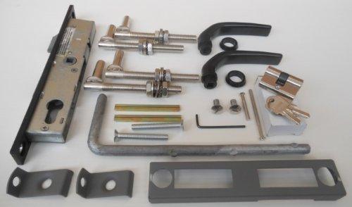 Einfahrtstor Zwei-Flügelig / Bögen / Schwarz / 300cm x 100cm (BxH) / Inkl.: Zylinder-Schloss mit 2 Schlüsseln / Drücker-Garnitur / 1 Satz Montage-Material / Gartentor