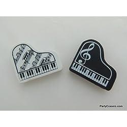 Une paire de piano à queue gommes de forme noir et blanc (2 pièces)