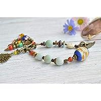 Pulsera artesanal colorida y con colgantes para mujer