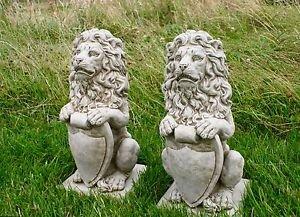 Löwe Löwen mit Shield Paar Statue Detaillierte Kunststein Ornament Garten Hohe Qualität Garten Statue Paar