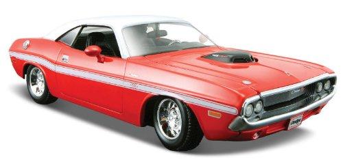 1970-dodge-challenger-r-t-coupe-maisto-31263-red-white-124-die-cast