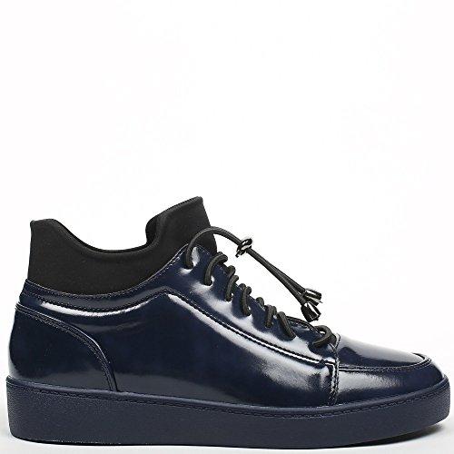 Ideal Shoes - Basket vernis avec languette en néoprène Jordana Marine