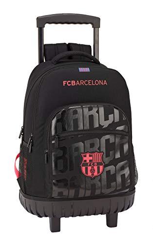 Mochila escolar en tono negro y con detalles fluorescentes, inspirada en la equipación del equipo F.C. Barcelona. Dispone de dos compartimentos de diferente tamaño para guardar tus accesorios escolares y bolsillos laterales hechos de rejilla para lle...