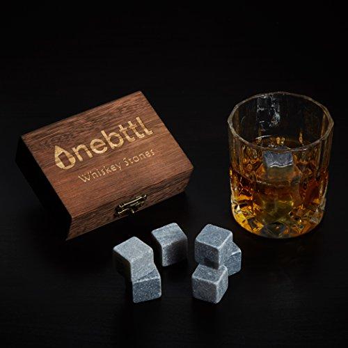9pcs Piedra de Jabón Gris Piedras de Whisky - Onebttl Whisky Stones para Enfriar su Whisky, Vino y otras Bebidas. Mantiene su bebida fría. Cubos de hielo reusables que no incluyen agua. Juego de 9 Piedra de Jabón Gris con una Elegante Caja de Madera y Bol