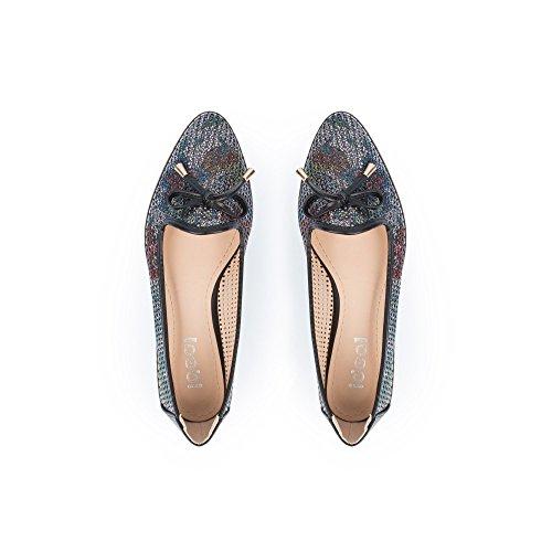 Ideal-shoes Mocassins Perforés, Avec Pointes Korn Black