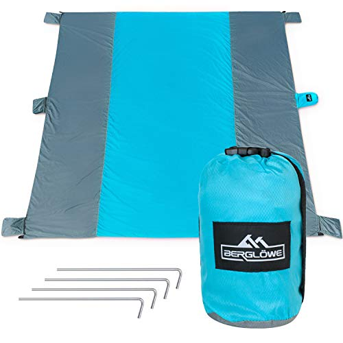 BERGLÖWE 285 x 305 cm Stranddecke XXL, Picknickdecke, extra großes Strandtuch aus ultraleichtem Ripstop-Nylon