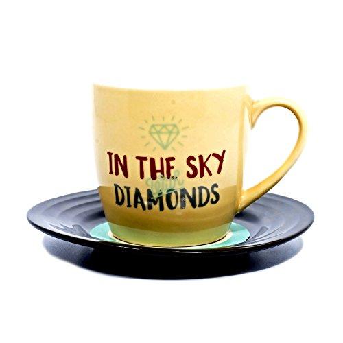 Lyrical Mug - Ensemble-Cadeau de Tasse et Soucoupe Céramique avec Paroles de Chanson Diamants - John Lennon & Paul McCartney - Autorisé par Sony/ATV - Thumbs up! - 1001703