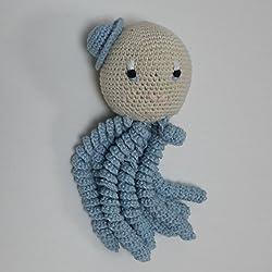 Pulpo amigurumi para recién nacido en color azul. Pulpo de ganchillo - crochet para bebé.