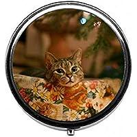 LinJxLee Christmas cat Cute Round Pill Case Pill Box Tablet Vitamin Organizer Easy to Carry preisvergleich bei billige-tabletten.eu