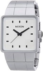 Reloj Nixon The Quatro Sandedsteel / Whi A0131166-00 de cuarzo para hombre, correa de acero inoxidable color plateado de Nixon
