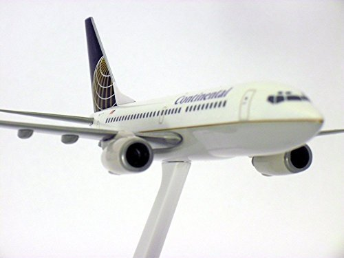 boeing-737-700-continental-airlines-1-200-scale-model-by-flight-miniatures