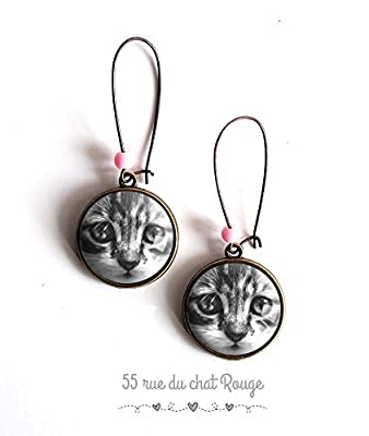 Boucles d'oreilles cabochon, Petit chat, chaton, chat, noir et blanc, perles rose
