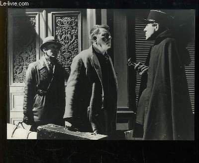 1 photographie de presse, argentique en noir et blanc, tirée du film