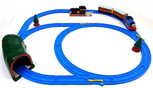 Brigamo 553 – Elektrische Eisenbahn Zug Set mit Thomas Lokomotive und Anhänger, umfangreiche Startpackung - 2