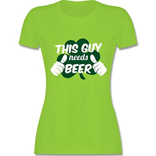 Shirtracer St. Patricks Day - This Guy Needs Beer Kleeblatt - Damen T-Shirt Rundhals Hellgrün