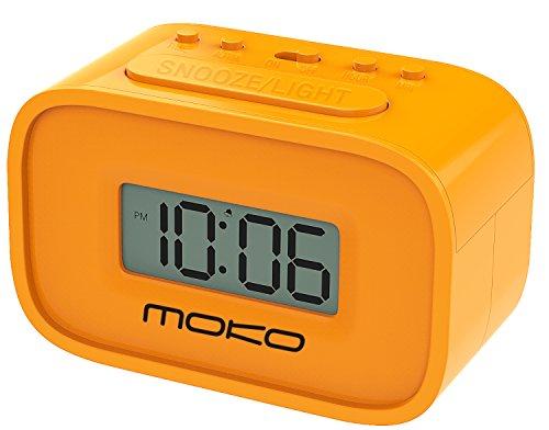 funktions schreibtisch MoKo Digital Alarm Clock, Wecker Nachttischuhr Mini Clock LCD Display Batteriebetriebend mit Schlummer Funktion/Hintergrundbeleuchtung für Schlafzimmer/Büro/Schreibtisch, Orange