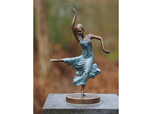 H. Packmor GmbH Sehr schöne Bronzefigur einer tanzenden jungen Dame aus Bronze gefertigt