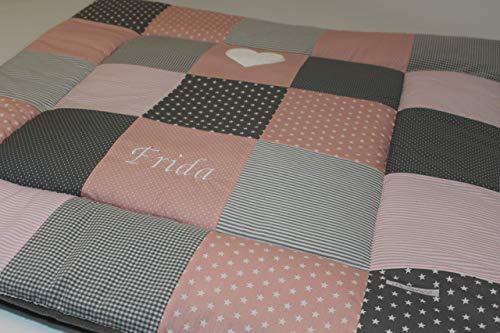 Krabbeldecke mit Namen personalisiert Patchworkdecke Patchwork Baby Babydecke Mädchen Junge rosa grau Herz