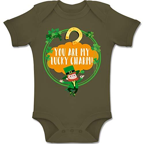 Shirtracer Strampler Motive - You Are My Lucky Charm! - 3-6 Monate - Olivgrün - BZ10 - Baby Body Kurzarm Jungen Mädchen (Kostüm Kobold Herr)