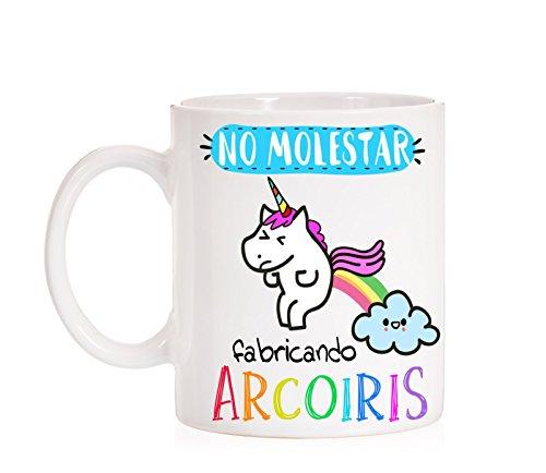 Taza No Molestar fabricando Arcoiris. Taza divertida de unicornio caga