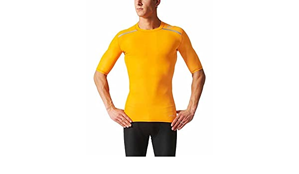 760d70458 adidas Techfit Chill Compression SS Base Layer Shirt Yellow Size XS: Amazon. co.uk: Sports & Outdoors