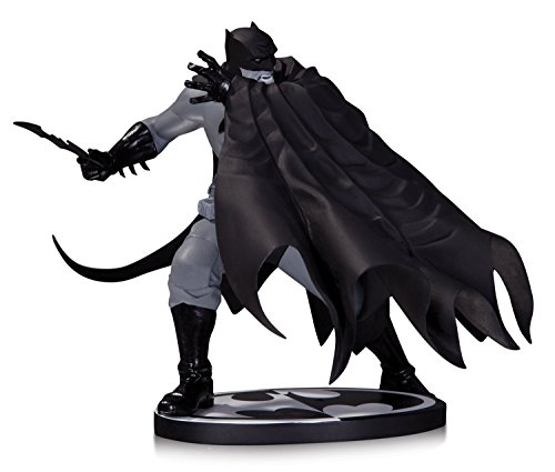 batman-black-and-white-by-dave-johnson-statue