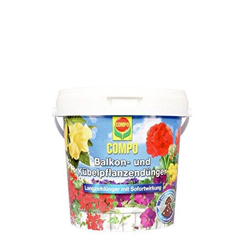 COMPO Balkon- und Kübelpflanzendünger für alle Balkon- und Kübelpflanzen, 6 Monate Langzeitwirkung, Düngeperlen, 1,2 kg, Für 240 Liter Erde