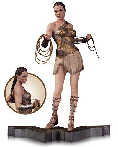 DC Comics NOV160369Wonder Woman Figur im (Cave Outfit Woman)