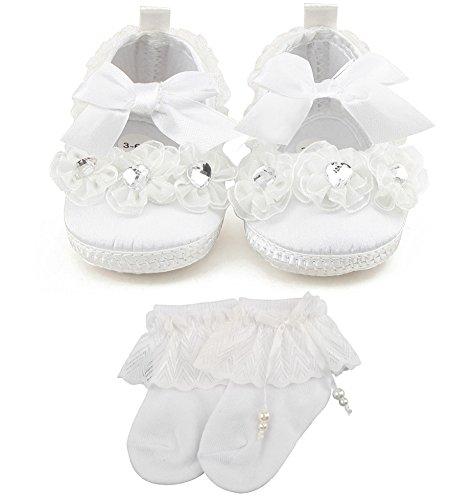 OOSAKU Baby-Mädchen-Schuh-Prinzessin-Rutschfeste Taufe-Schuhe weiße Baby-Turnschuhe mit Perlen-Socken 3-6 Monate - Lace-up-socken