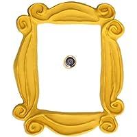 Le cadre de la porte de Monica. Réplique. La plus fidèle à l'original.