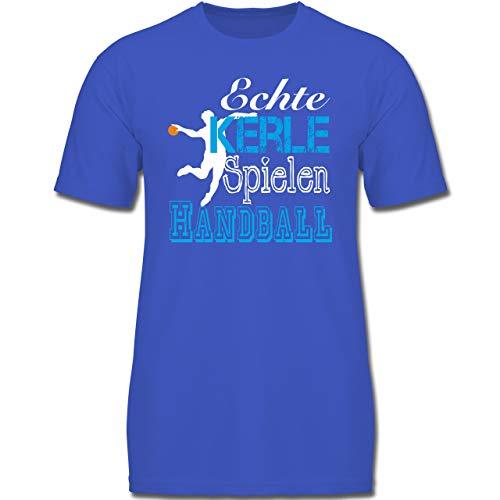 Sport Kind - Echte Kerle Spielen Handball weiß - 152 (12-13 Jahre) - Royalblau - F130K - Jungen Kinder T-Shirt